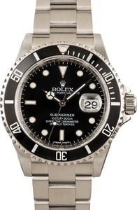 Rolex Submariner 16610T No Holes