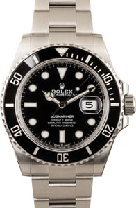 Pre-Owned Rolex Submariner 126610