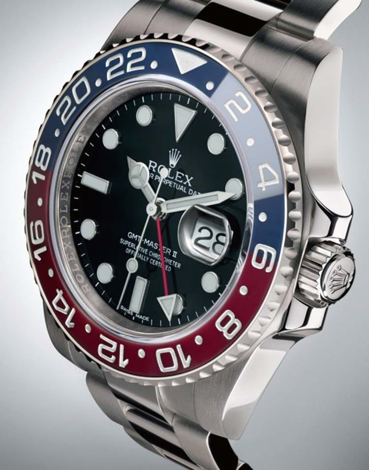 comparing the rolex submariner to the gmt master ii