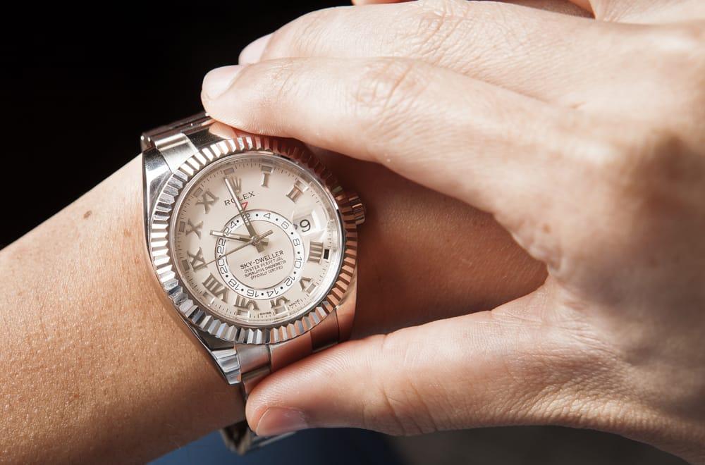 skydweller luxury wristwatch