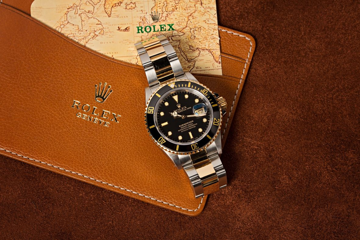 Rolex Submariner Date 16803 Steel and Gold