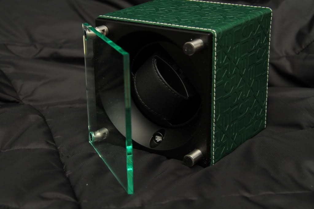 & Here Is Why You May Want To Consider A Watch Winder Aboutintivar.Com