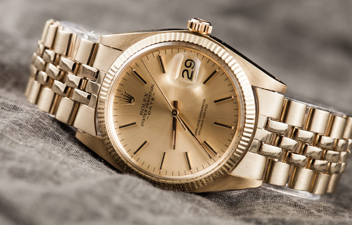 Rolex Date 1503 has a sleek design