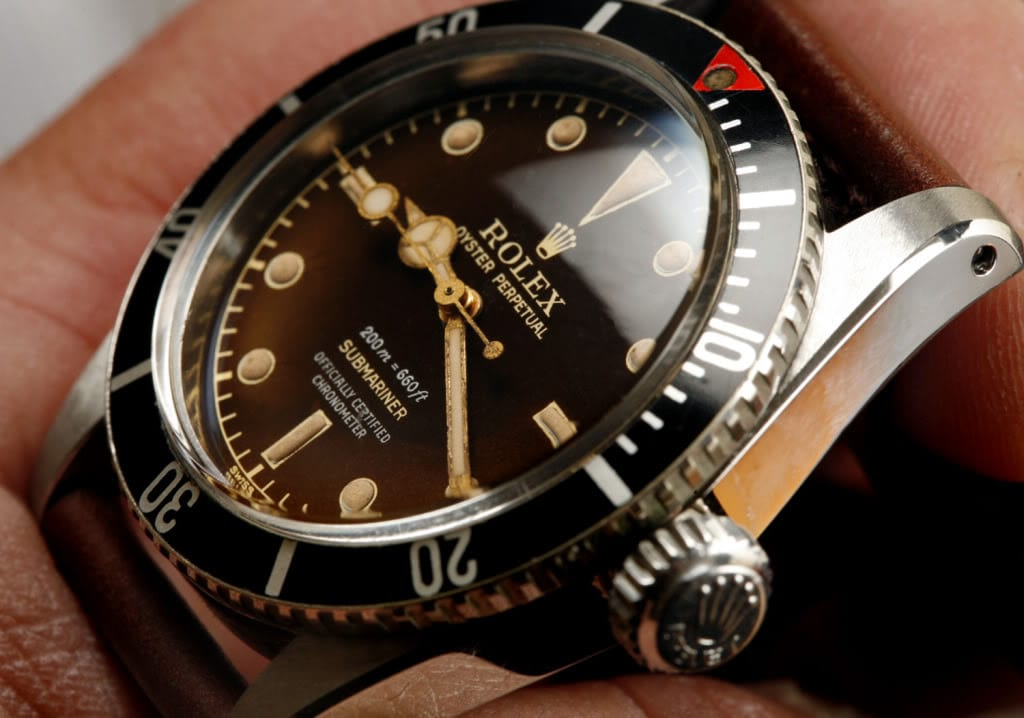 This James Bond Rolex 6538 is a no date submariner.