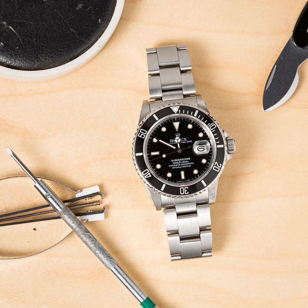 The Rolex 16800 is the first Submariner to feature a sapphire crystal