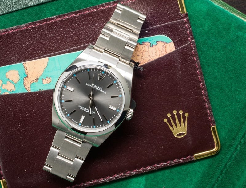 This Oyster Perpetual 39 has shock absorbers.