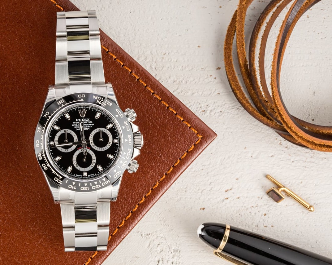Daytona 116500LN comes with a ceramic bezel.