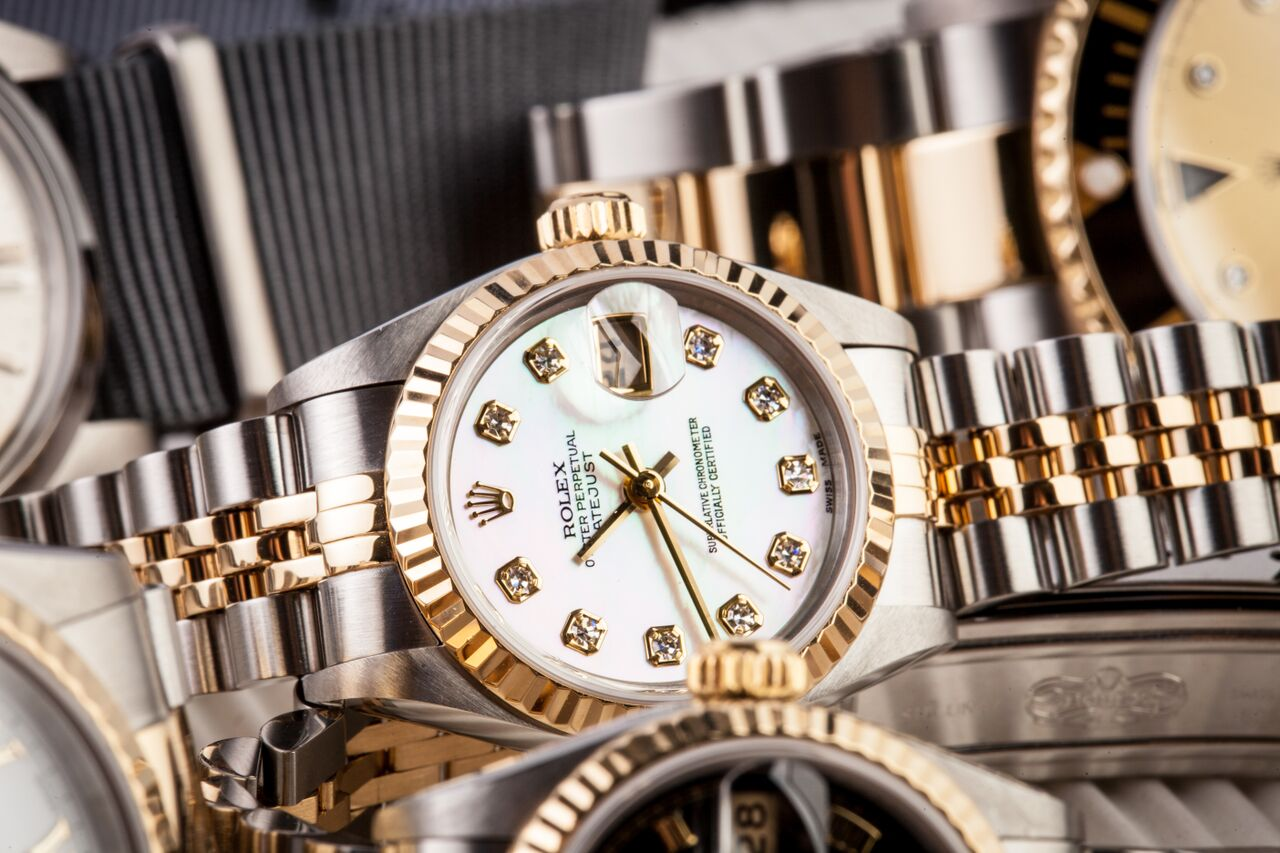 If you're a diamond fan and a Rolex enthusiast, this is for you, a ladies Rolex.