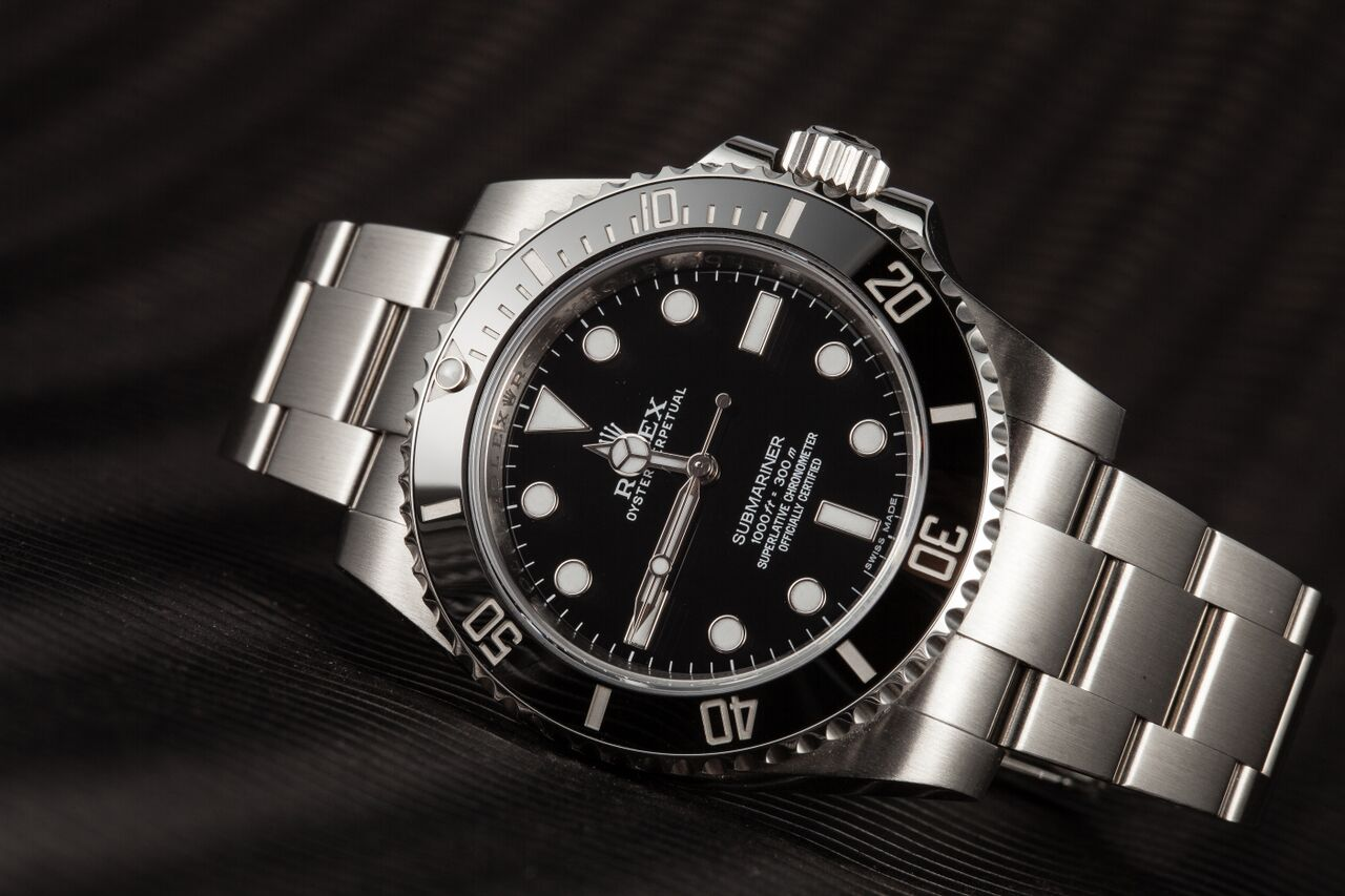 This No Date Submariner from Bob's Watches has a glossy dial.