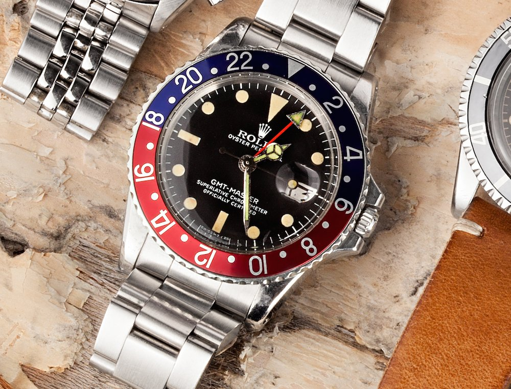 The Rolex GMT-Master ref. 1675 keeps a balance of style and function.