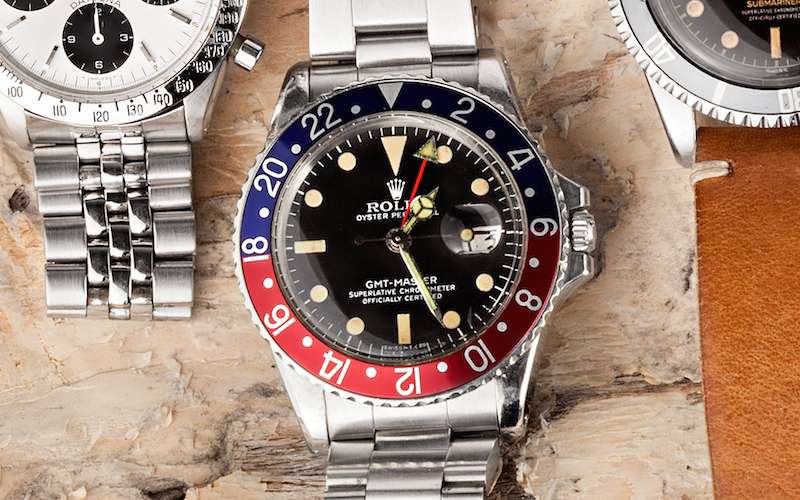 Rolex GMT-Master ref. 1675 has a two-tone bezel. The blue and red combination is called the Pepsi.