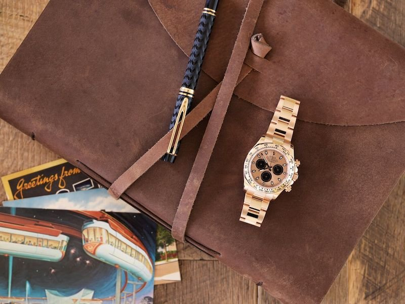 The leather is a great combination with the rose gold Daytona.