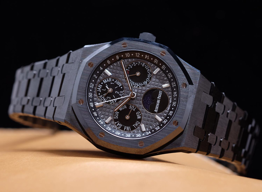5 Of Our Favorite Men S Watches From 2017 Bob S Watches