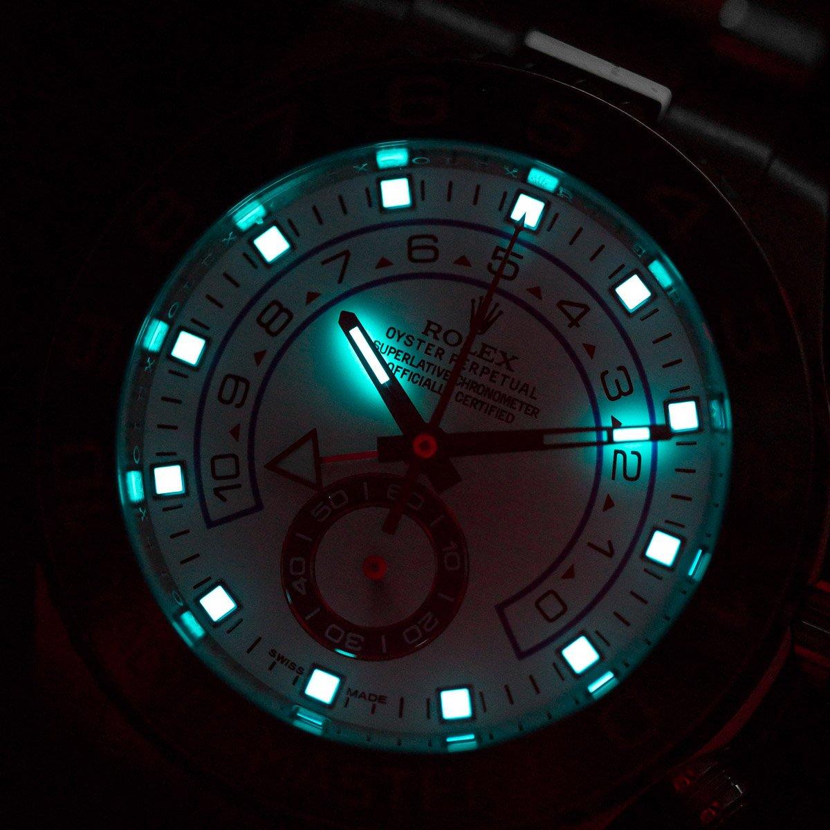 Chromalight vs Superluminova