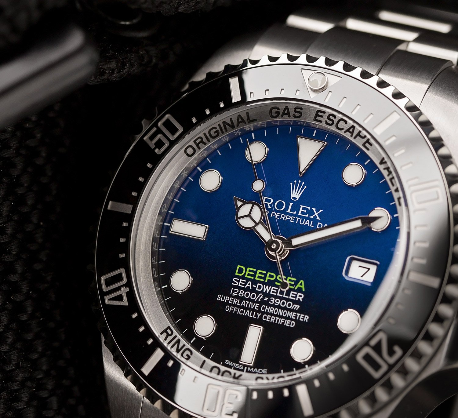 deepsea dive watch rolex sea-dweller james cameron