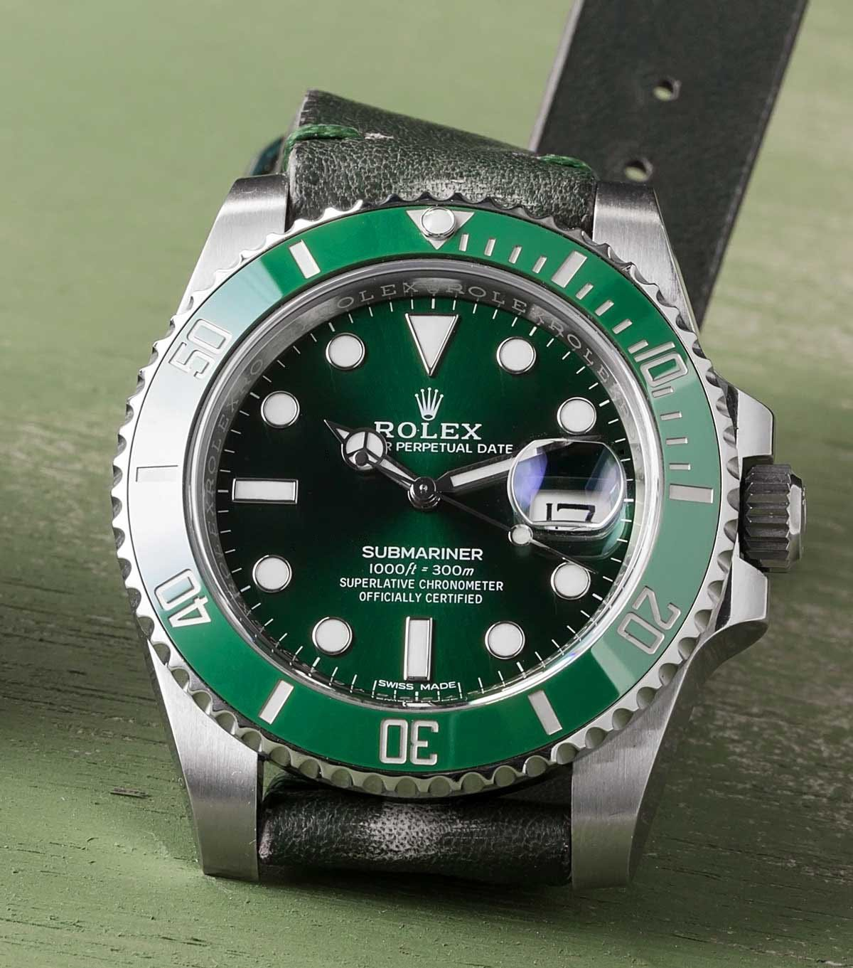 Green Rolex Hulk Submariner 116610LV Spotlight