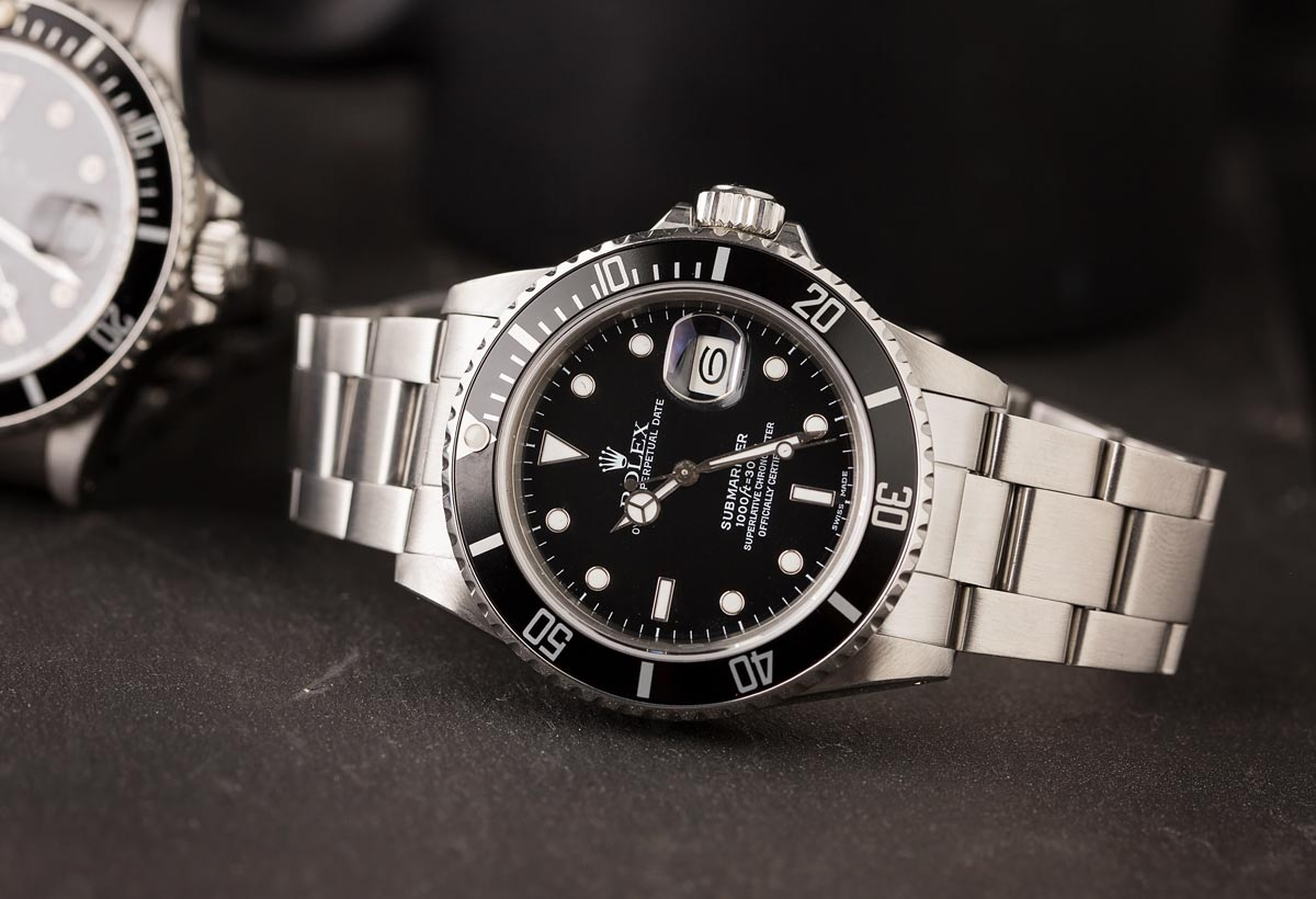 The Rolex Submariner with a rotatable bezel