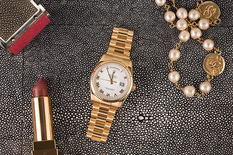 The Rolex Day-Date President 118764 is a timeless classic and a tasteful Mother's Day gift