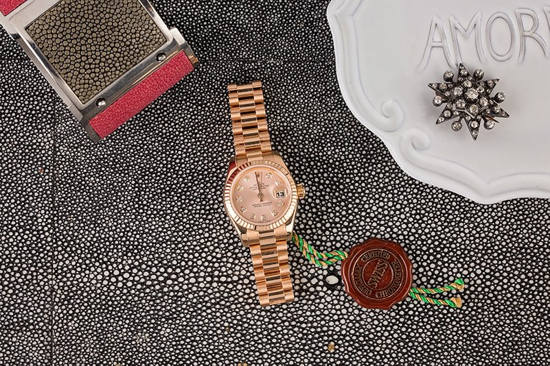 A 113066 Ladies Datejust in a stunning rose gold is an ideal gift for mothers day
