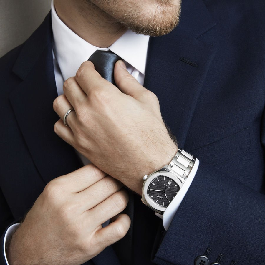 A Piaget Polo S is the perfect compliment to the Mini Countryman