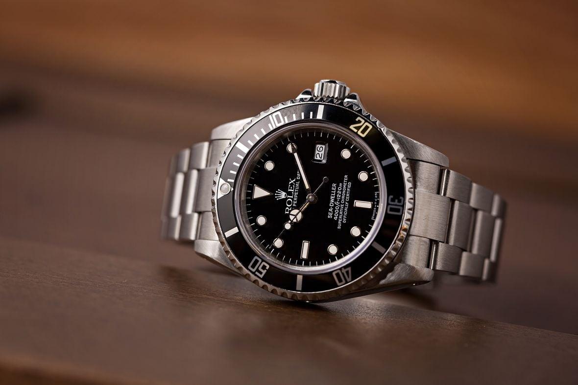 Rolex Triple Six Sea-Dweller 16660 Gloss Dial
