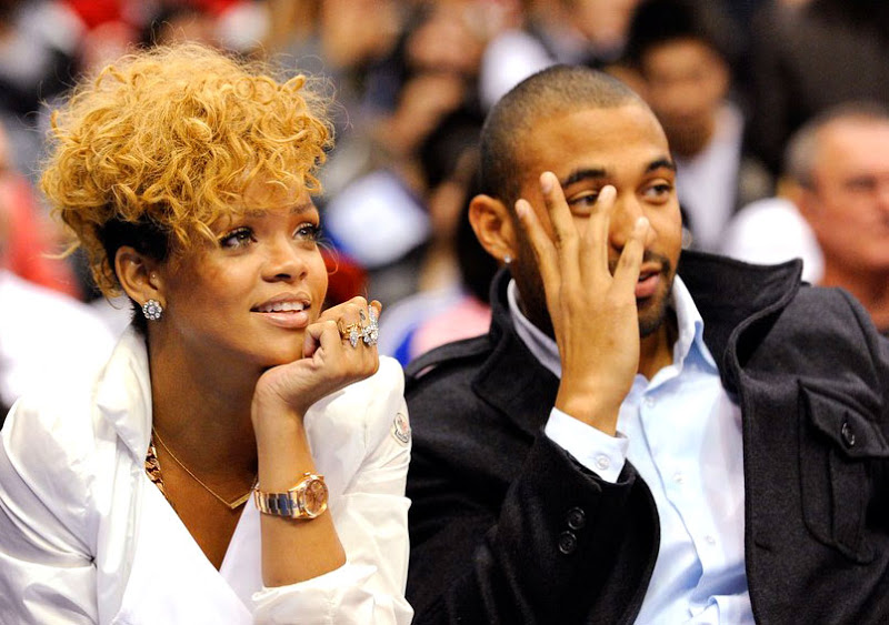 Rihanna taking in a Clippers game with Matt Kemp