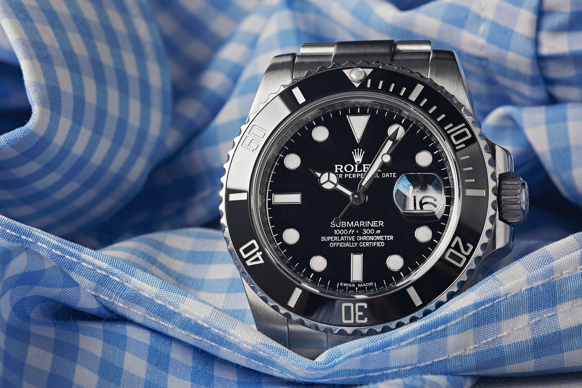 Rolex Submariner 114060 vs 116610