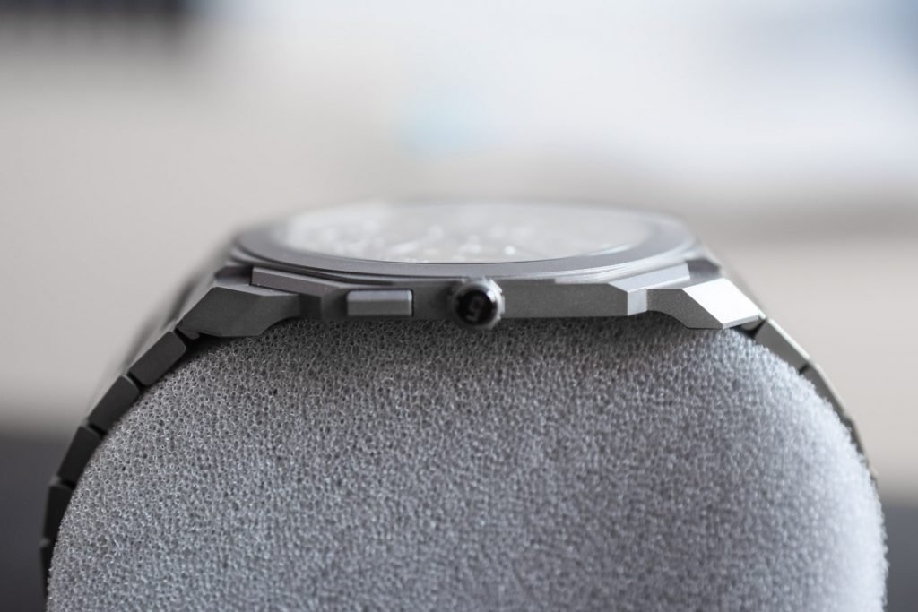 the entire watch weighs in at only 3.95mm