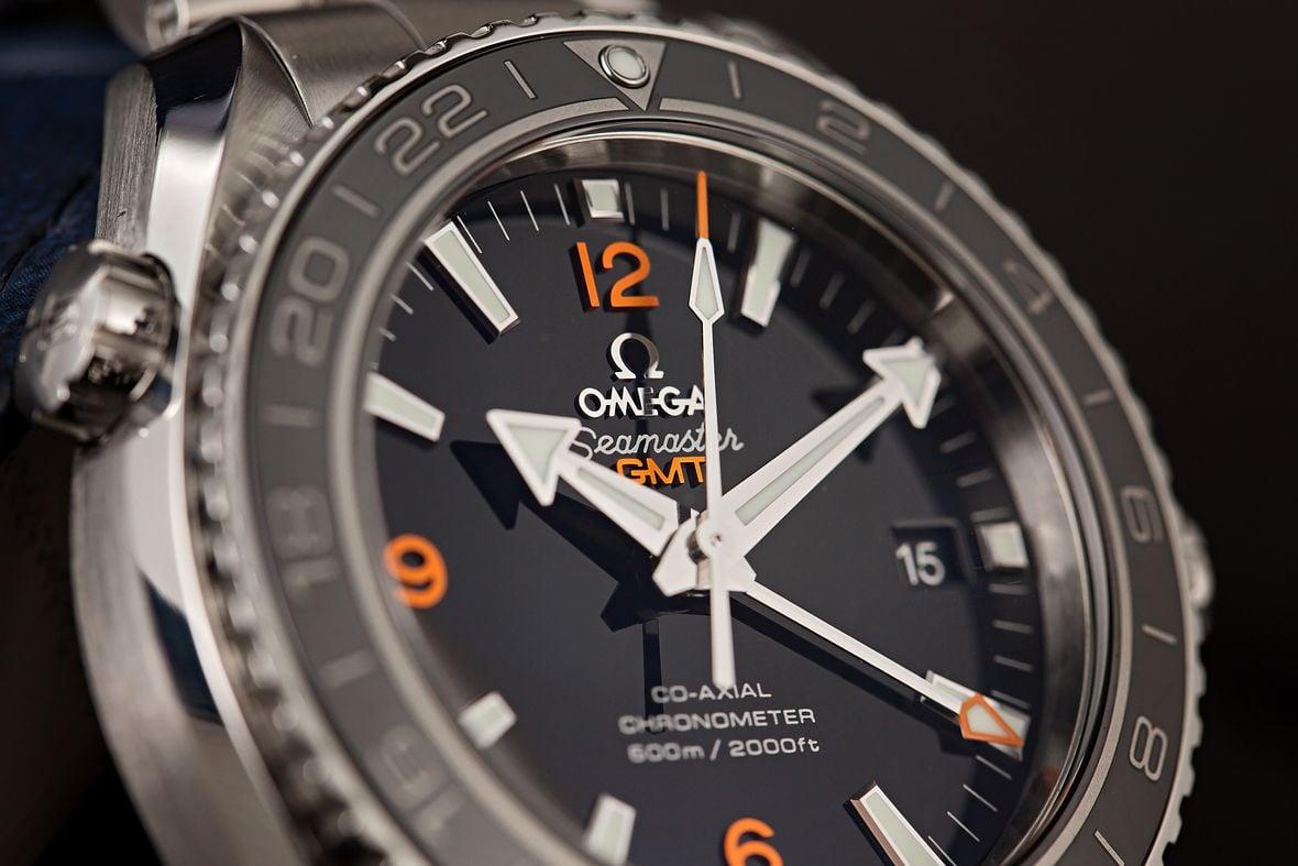 Omega Seamaster Planet Ocean GMT Shopping Guide 24-Hour Bezel