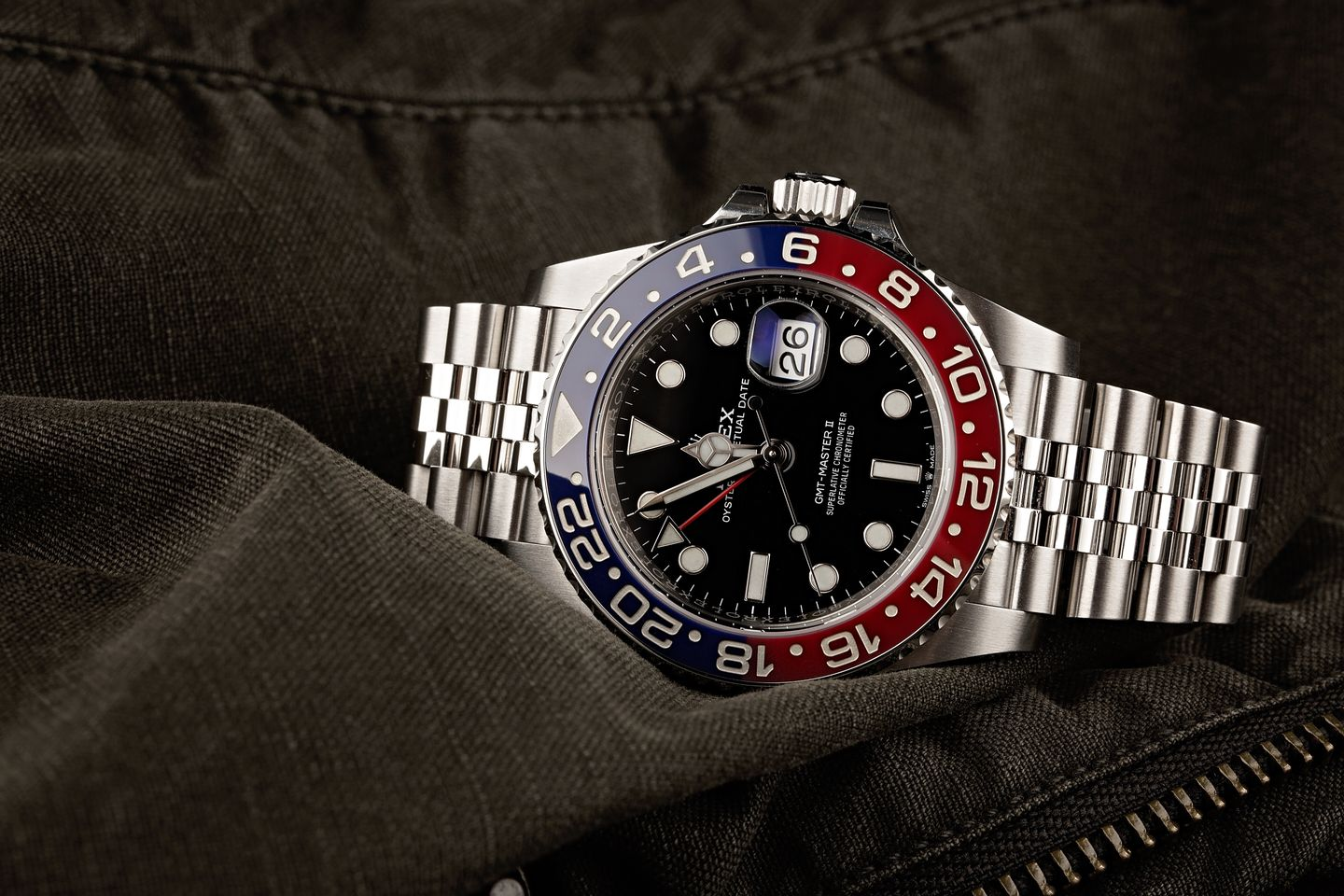 Rolex vs. Tudor: GMT Watch Comparison Pepsi 126710 BLRO Cerachrom ceramic