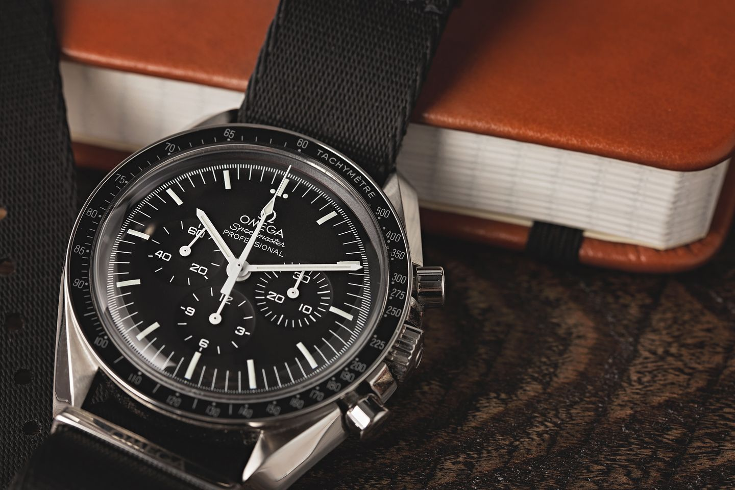 Omega Speedmaster Moonwatch versus Speedmaster '57 Co-Axial Comparison guide