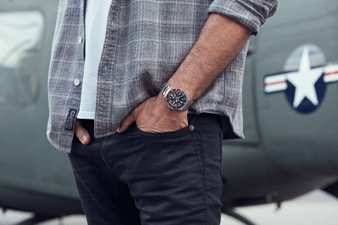 how to wear a watch for men