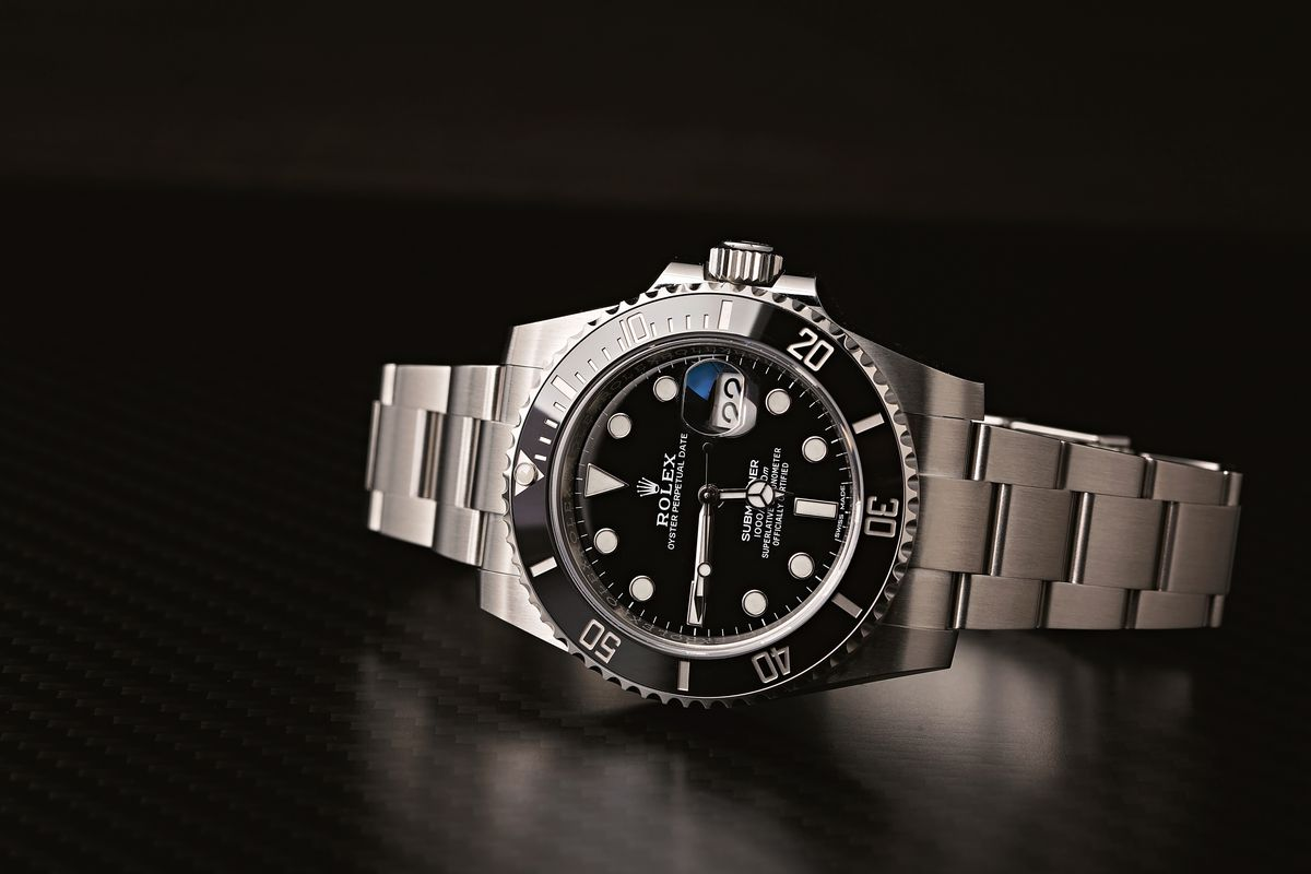 Rolex Submariner Bezels Ultimate Guide Black Cerachrom Bezel