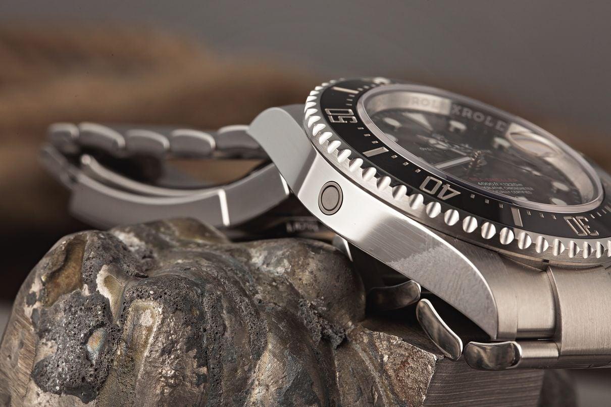 Rolex Sea-Dweller versus Tudor Pelagos comparison