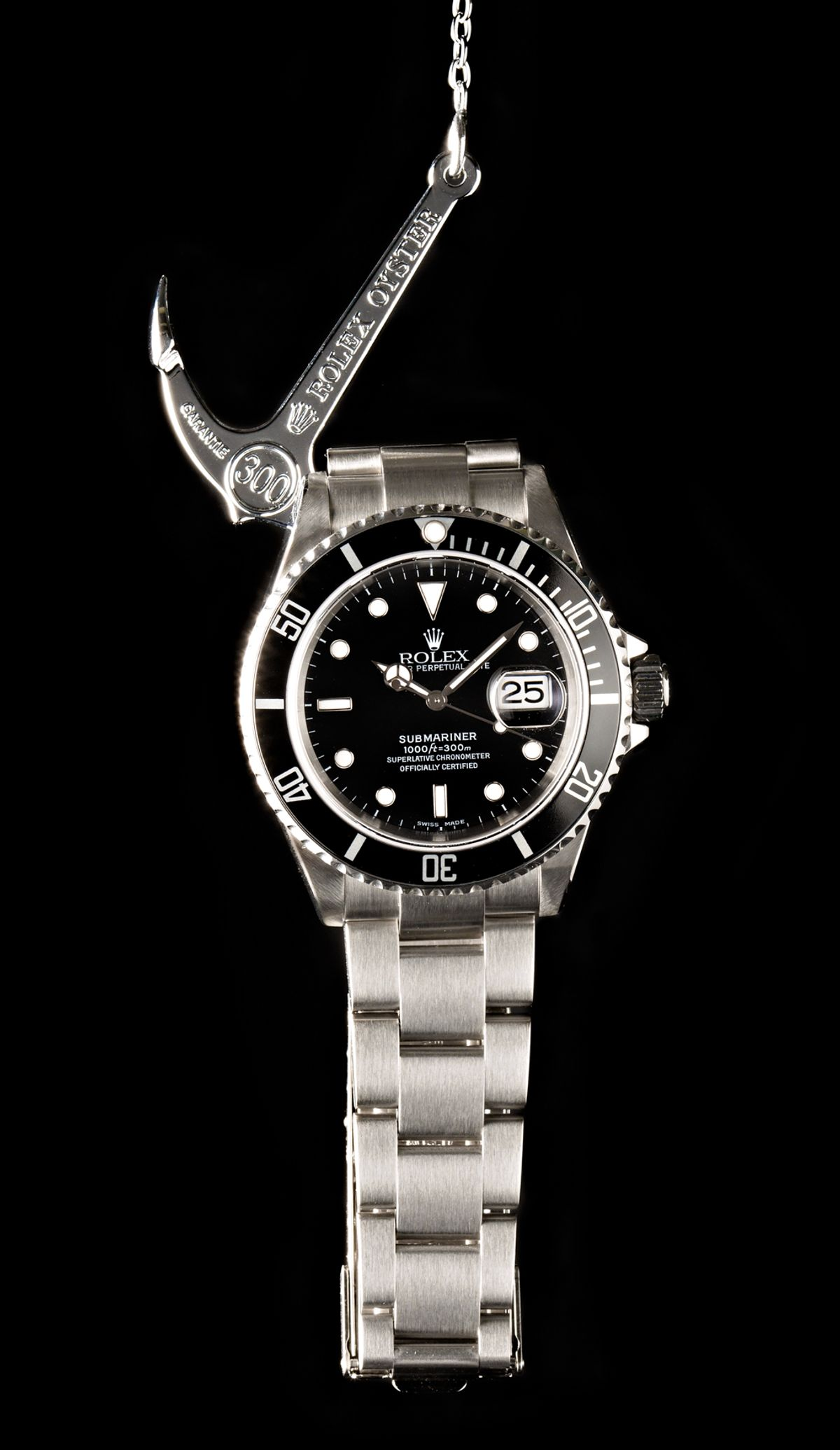 Rolex Submariner Review Oyster Perpetual Date 16610 Black Dial Aluminum Bezel