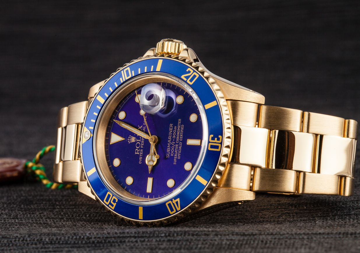 Gold Rolex Submariner Blue Most Popular Dive Watch 16618