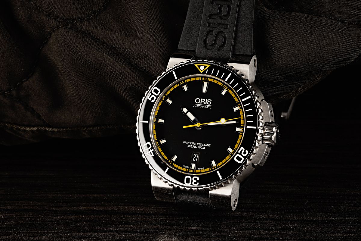 Oris Divers Sixty-Five and Aquis Buying Guide rubber strap