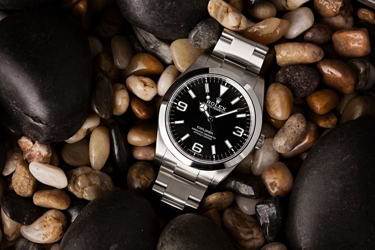 Modern Versions of Famous Vintage Luxury Watches Rolex Explorer 214270