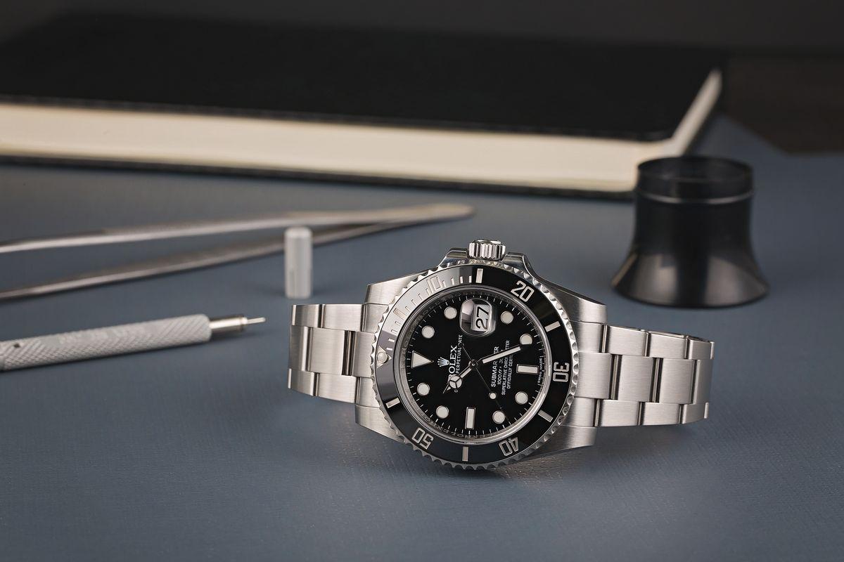 Rolex Submariner Black Dial Ceramic Bezel Ref 116610LN Dive Watch