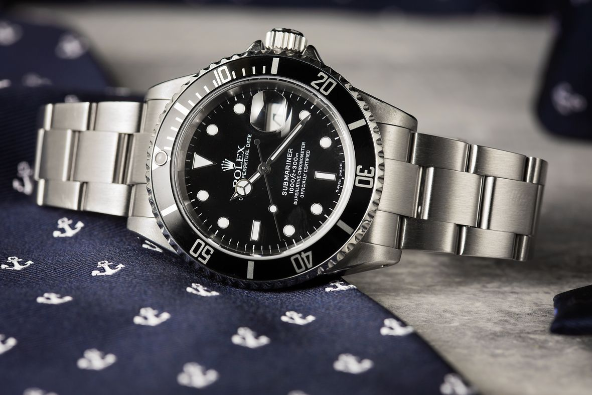 Rolex Submariner black reference 16610