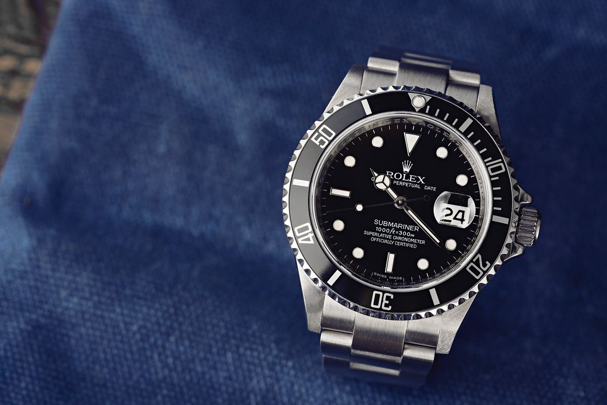 Rolex Submariner Date Black Dial Review 16610