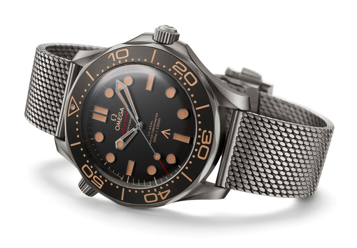 Daniel Craigs Omega Seamaster Diver 300M James Bond 007 Edition on SNL Saturday Night Live