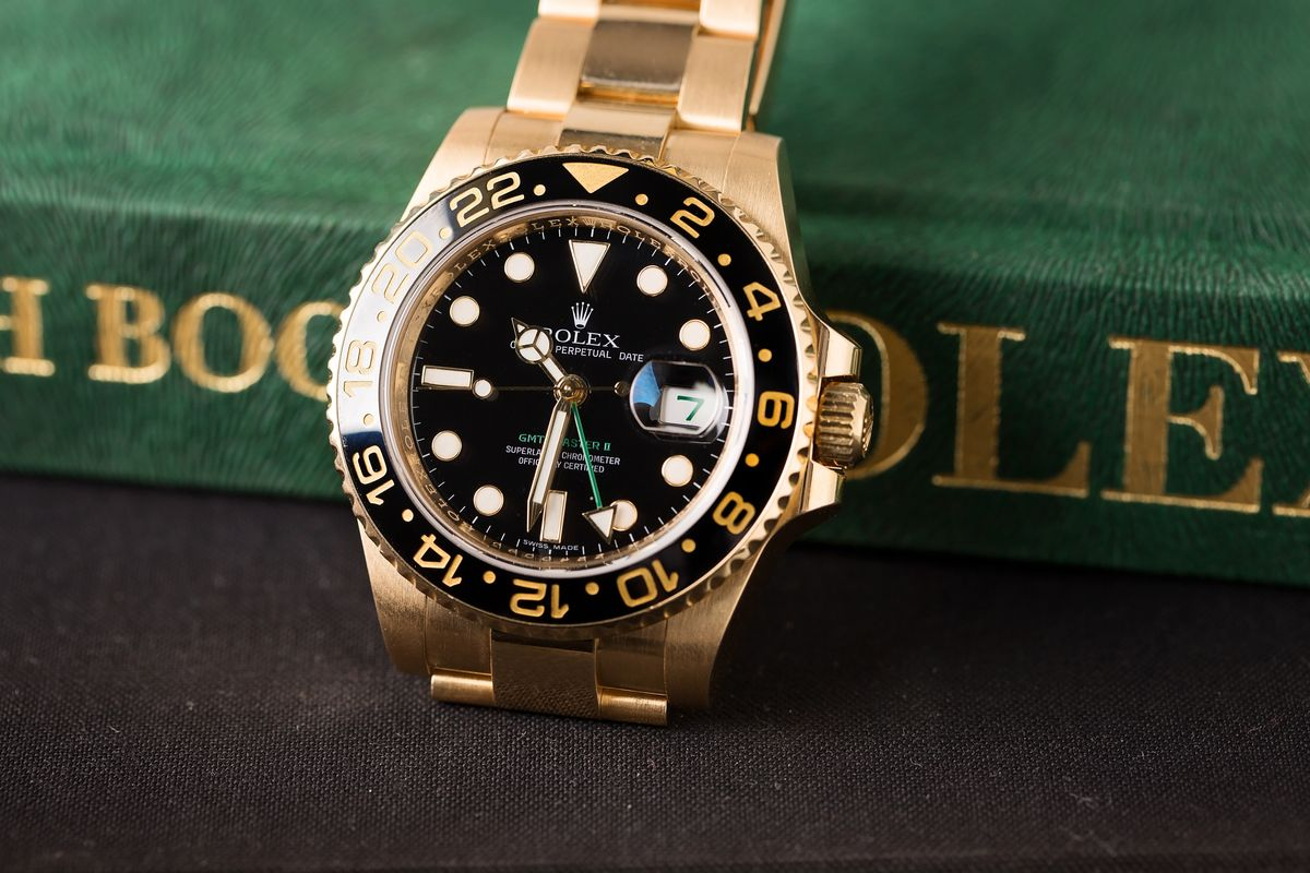 Rolex GMT-Master II Setup Guide for 3 Time Zones gold