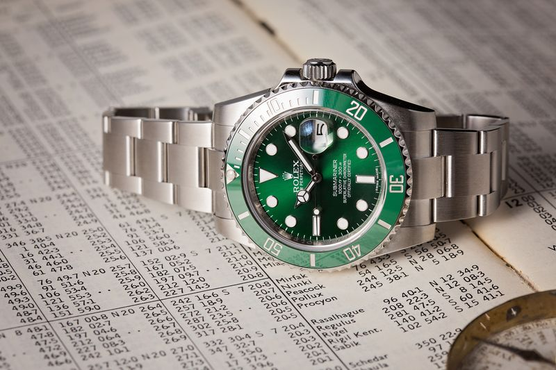 Rolex Batman vs Rolex Hulk Video Comparison Submariner 116610 LV