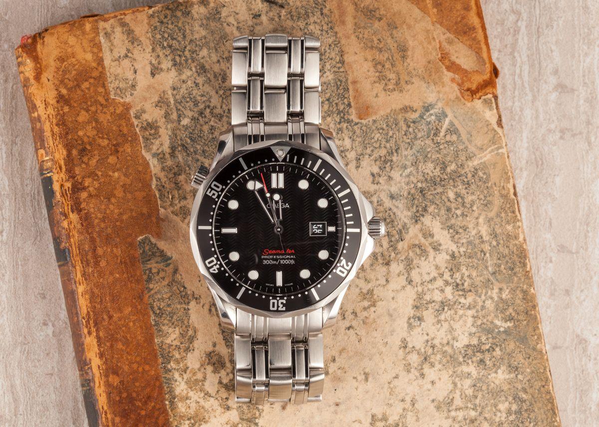 007 Omega Seamaster Diver 300M James Bond Black Dial Professional Dive Watch