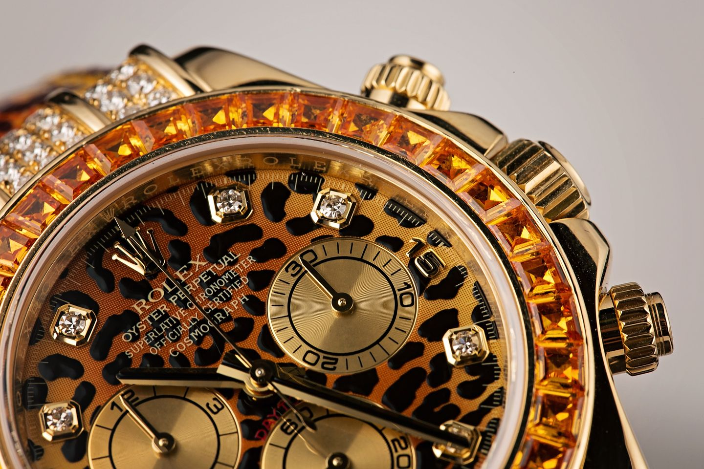 A Couple of the Most Luxurious Rolex Watch References Daytona Leopard 116598SACO
