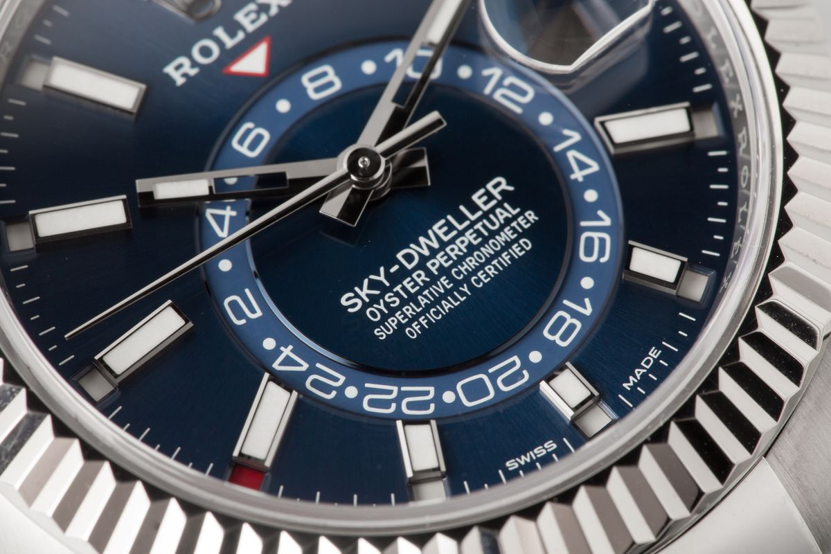 Rolex Sky-Dweller a GMT time zones blue dial stainless steel 326934