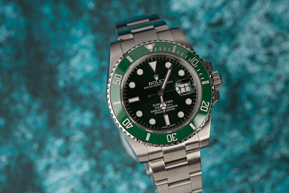 Rolex Hulk Green Submariner 116610LV Overview Guide