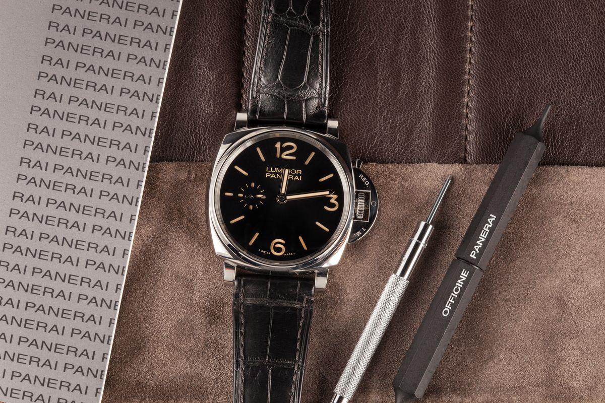 Best Men's Dress Watch Buying Guide Panerai Luminor Due PAM00676