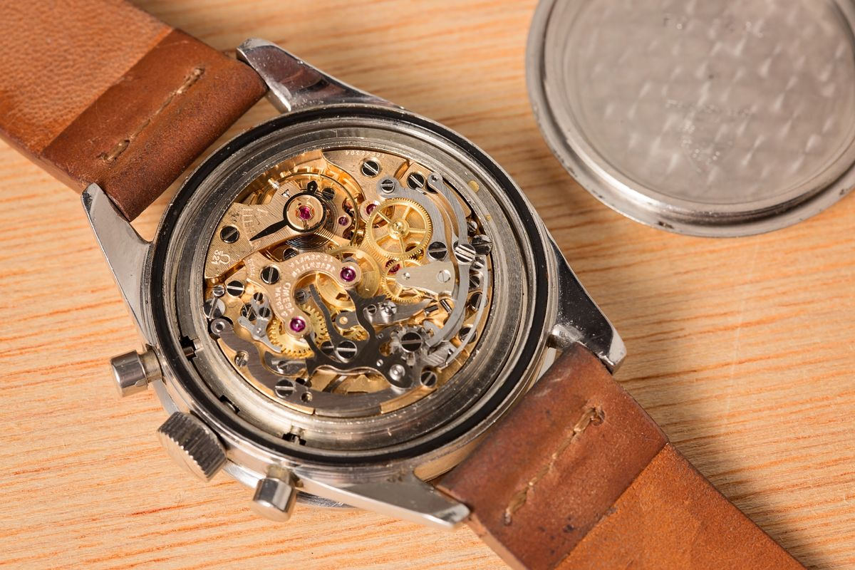 Vintage Omega Watch Buying Guide - Speedmaster 321 Movement